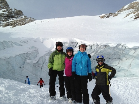 Family shot in front of that glacier.